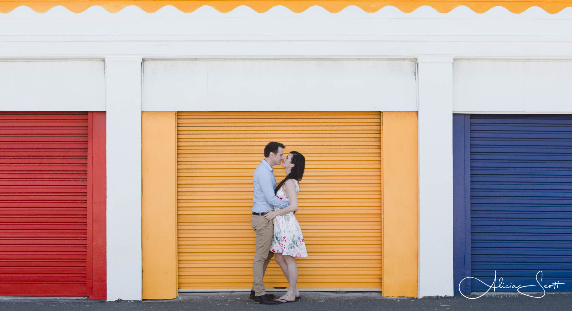 Images from a Lyall Bay engagement session taken by Alicia Scott Wellington Photographer