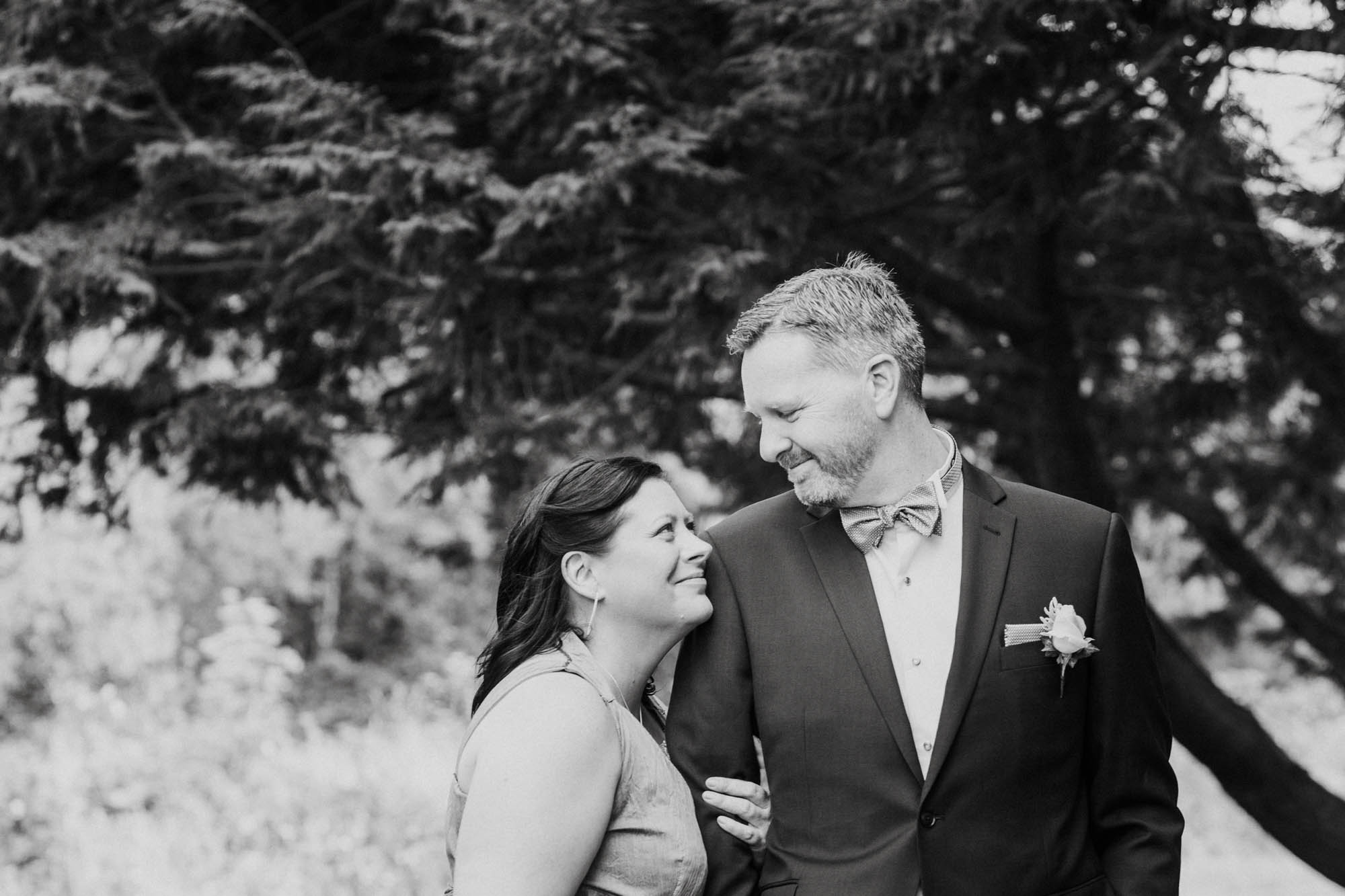 Lower Hutt wedding of Deb and Gordon with images taken by Alicia Scott Wellington wedding photographer